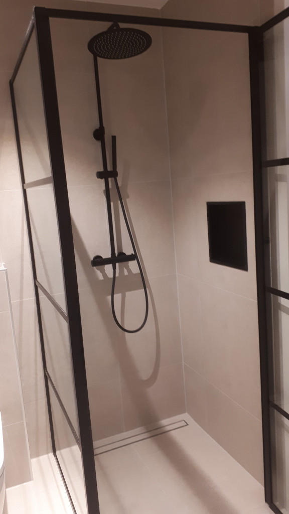 jjonkeronderhoud badkamer inloopdouche met nis